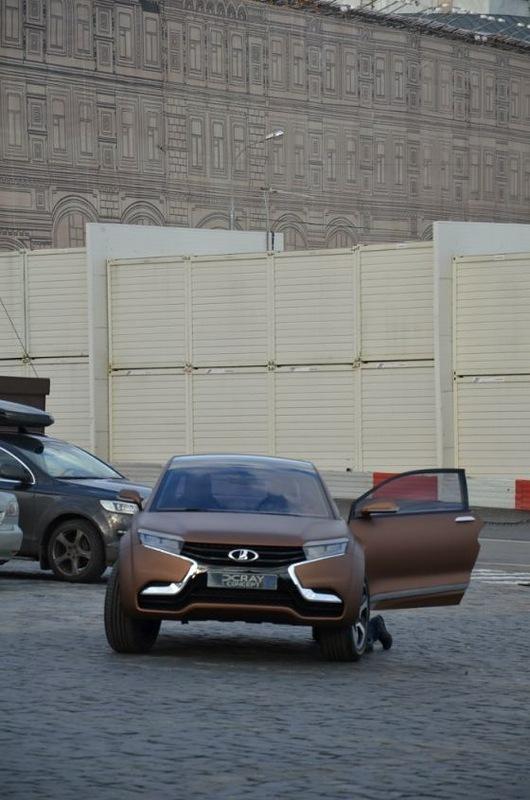 Lada Xray на улицах Москвы