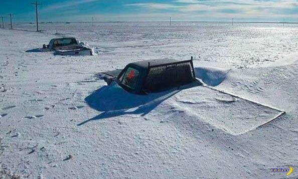 ЖКХ призывает водителей убирать снег вокруг авто... Пока по-хорошему