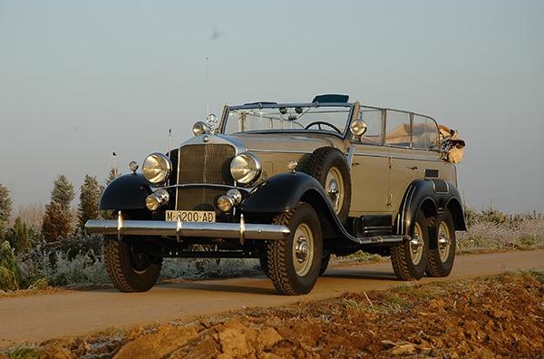 10 автомобилей, на которых ездят монархи и их наследники