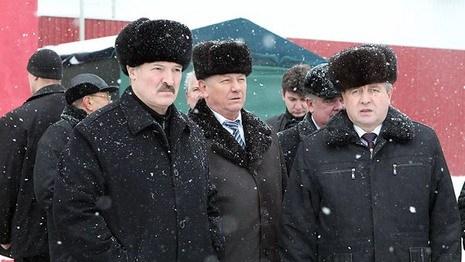 """Декрет № 9: Лукашенко обещает рабочим """"и конфетку дать"""""""