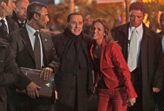 Новая девушка Берлускони - королева красоты