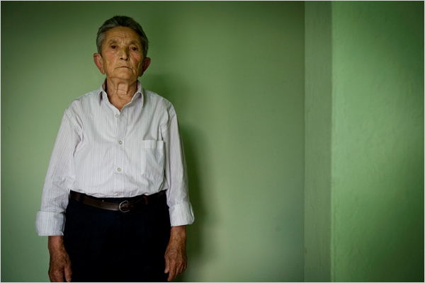 Бурнеша: Женщино-мужчины Албании