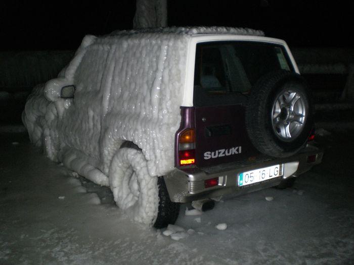 Не паркуйтесь зимой у берега!