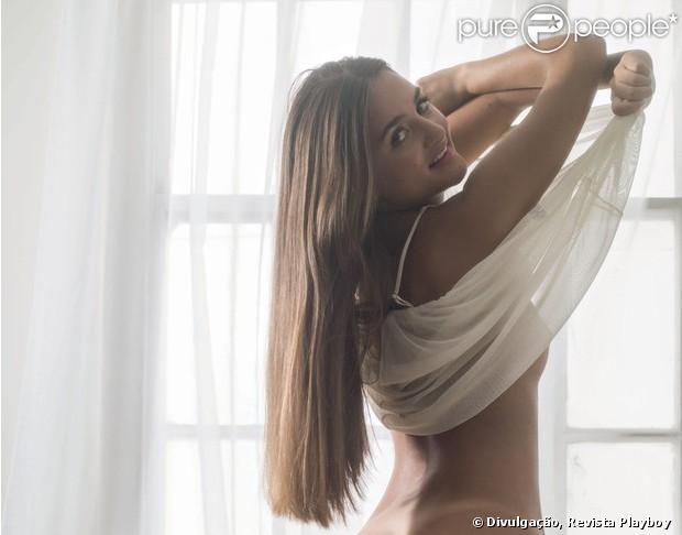 Девушка, продавшая невинность, снялась для Playboy
