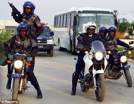 Африканская полиция расстреляла актеров во время съемок ограбления
