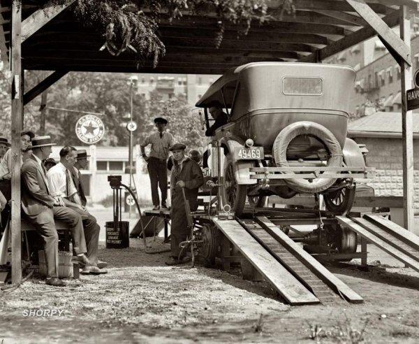 Первые автозаправочные станции
