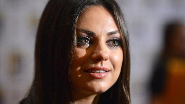 Мила Кунис снова стала самой сексуальной женщиной года