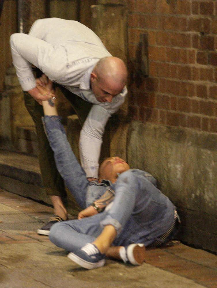 Новогоднее пьянство молодежи в Британии