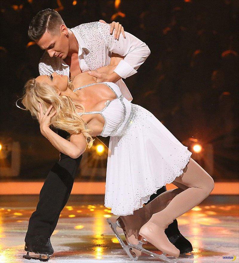 эротические фото танцующих на льду время