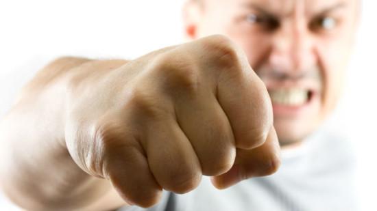 Возможно человеческая кисть приобрела такую форму из-за способности складываться в эффективный кулак