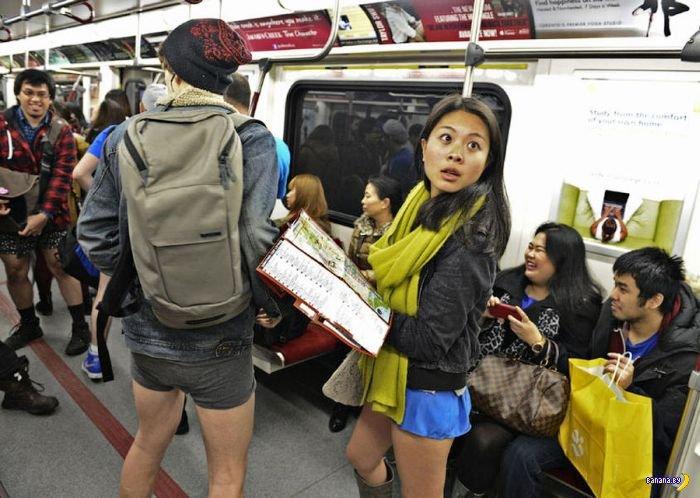 Без штанов в метро