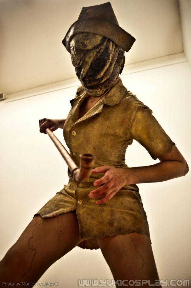 Шикарная медсестра из Silent Hill