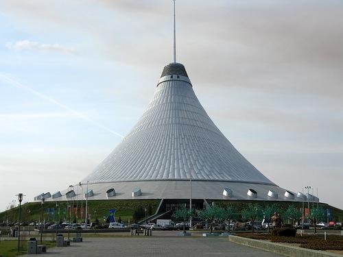 Хан Шатыр - самый большой шатер в мире