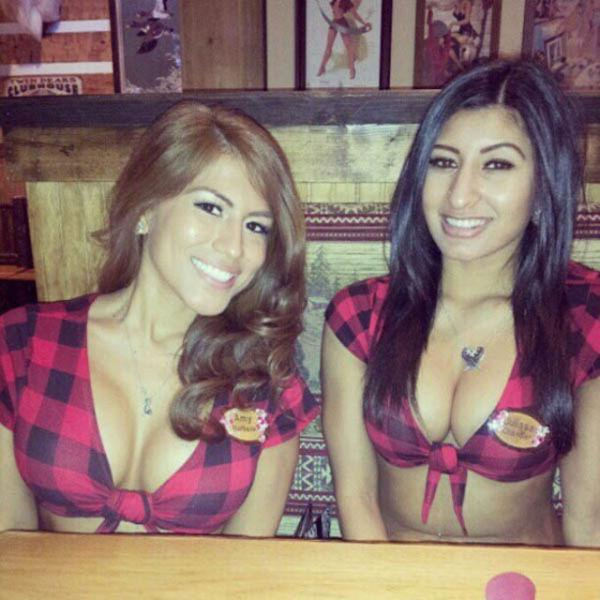Очень горячие официантки из ресторанов TWIN PEAKS