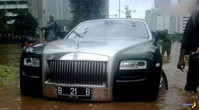 Притопили Rolls-Royce Ghost