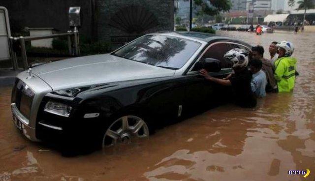 Притопили Rolls-Royce Ghost