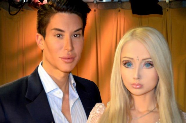 Встреча живых кукол
