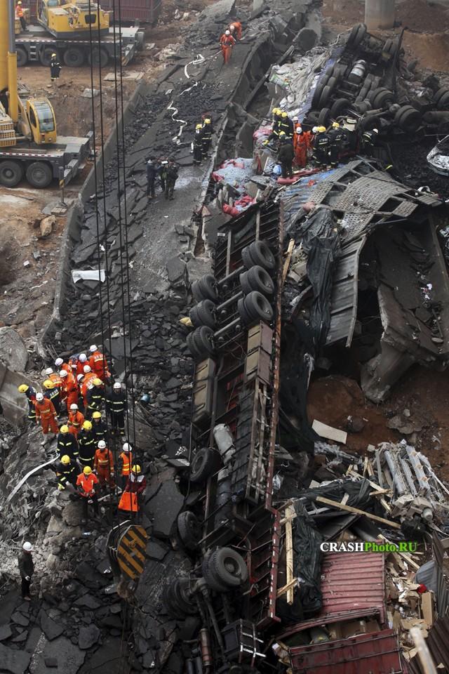 Взрыв грузовика с пиротехникой в Китае