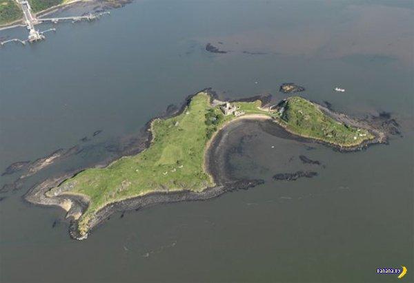 Требуется сторож для замка на острове