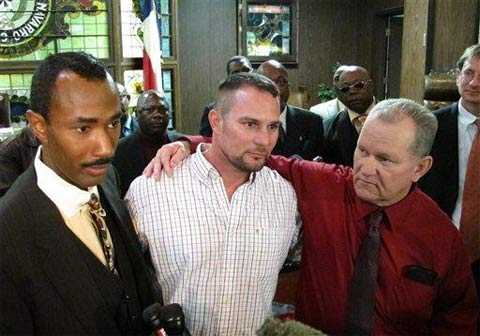 Отсидев 30 лет за убийство, мужчина был признан невиновным