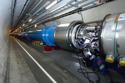 Большой адронный коллайдер остановлен на двухлетнюю модернизацию