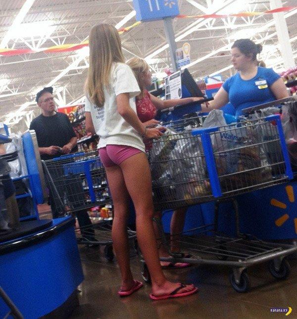 Девушки в шортах!
