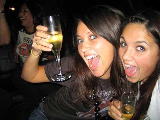 Как алкоголь действует на мозг и почему он вызывает привыкание