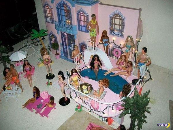Странная коллекция Барби