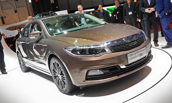 Странности Женевского автосалона: китайский багажник и спящий Land Rover
