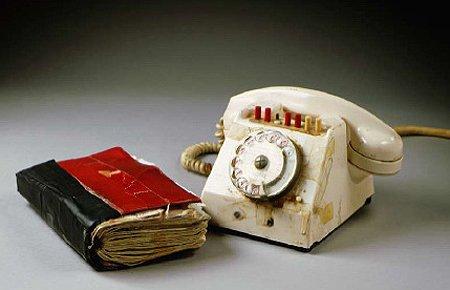 Сколько телефонов из записной книжки вы помните наизусть?