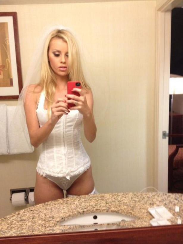 Красивые девушки в нижнем белье - 5