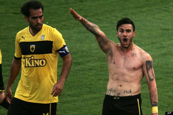 Футболист пожизненно дисквалифицирован за нацизм