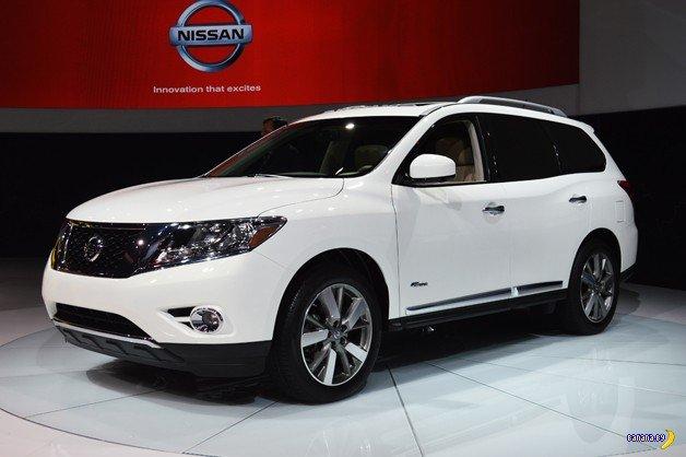 Nissan обновляет Pathfinder