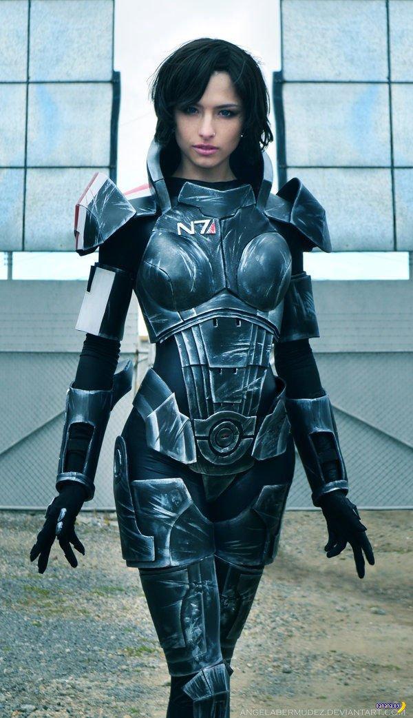 Шикарный косплей Mass Effect