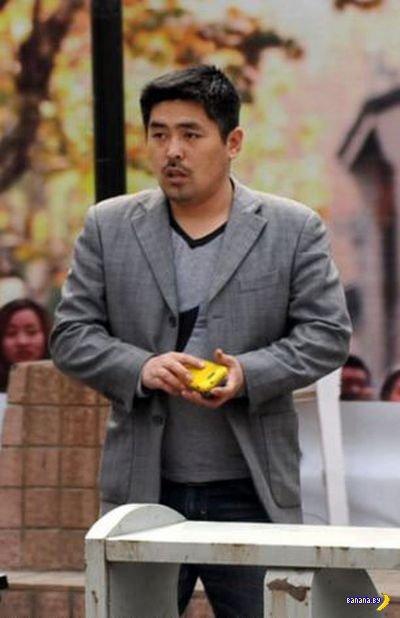 Китайский карманник с местным колоритом