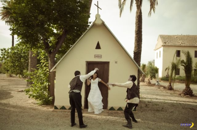Очень странная свадебная фотосессия