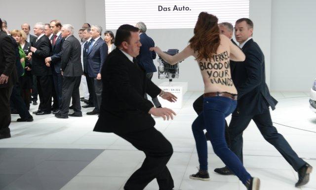 В Германии на активисток Femen завели уголовное дело