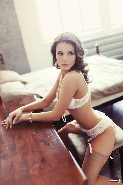 Красивые девушки в нижнем белье - 11