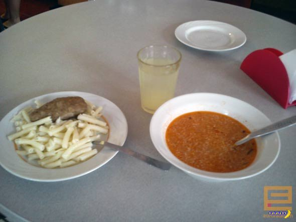 Школьный обед: для богатых — 15 тысяч, для остальных — 9