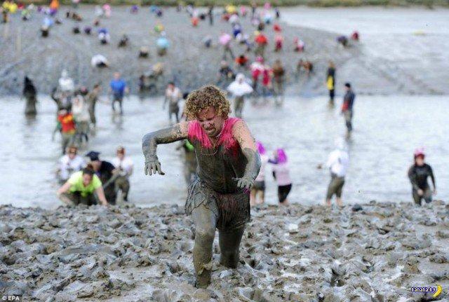 Гонки по грязи - традиционная Английская забава