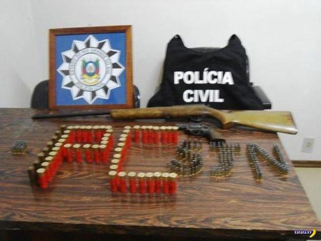 Художественные фотографии улова бразильской полиции