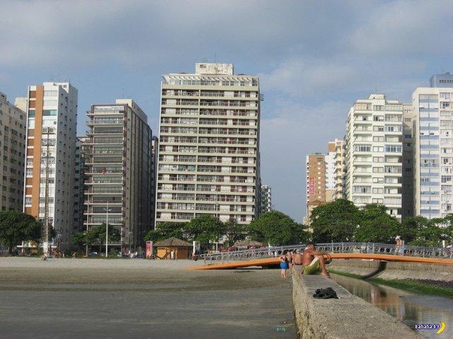Кривой город Сантос в Бразилии