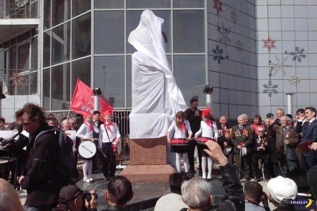 Памятник Сталину в Якутске