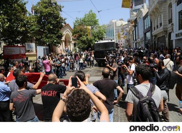Стамбул - борьба народа с точечной застройкой переросла в востание