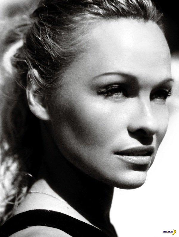Памела Андерсон для бразильского Vogue