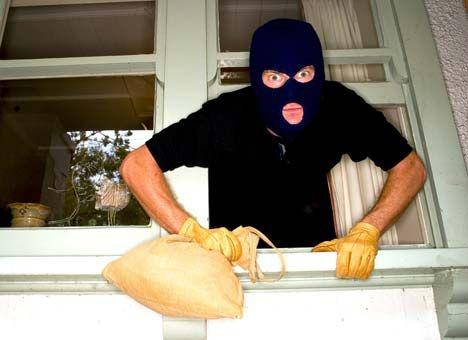 Домушник рассказал, где воры ищут деньги