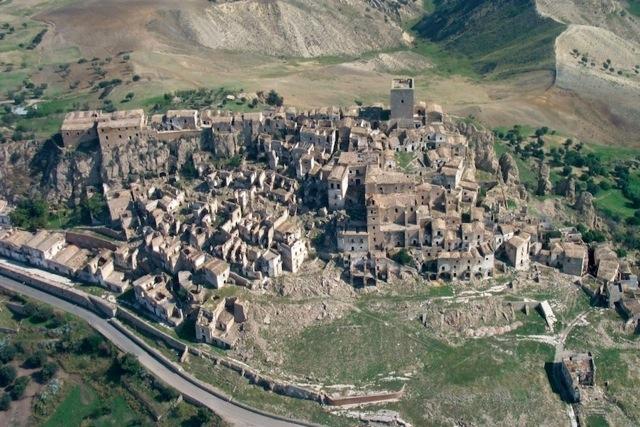 10 самых уникальных заброшенных мест на планете