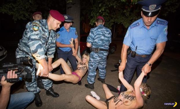 Дерзкая акция FEMEN против Лукашенко