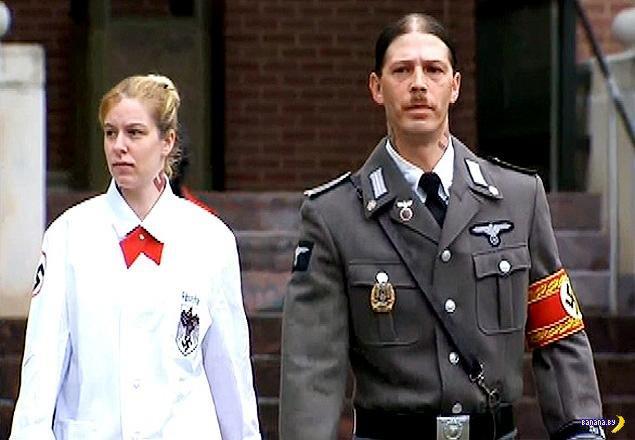 Пару из Нью-Джерси лишили родительских прав за данные детям нацистские имена