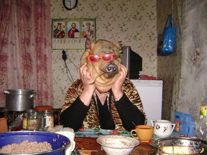 zagnul-rakom-na-kuhne-svekor-svoyu-nevestku